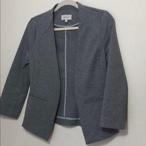 Grey buttonless blazer